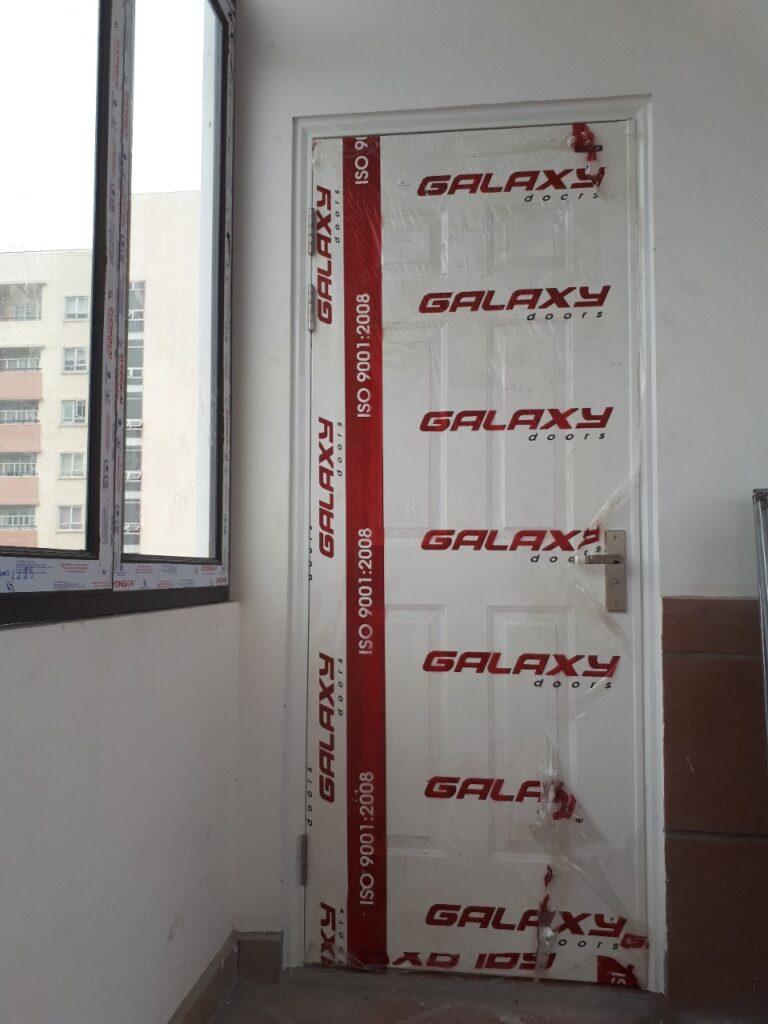 Cửa thép Galaxy lắp cho vị trí ban công