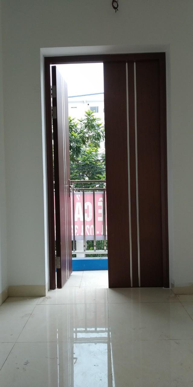 Mua cửa thép vân gỗ