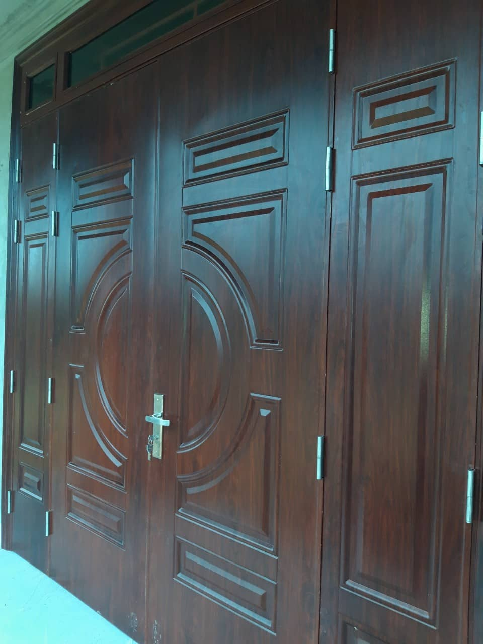 Cửa thép vân gỗ 4 cánh bền đẹp