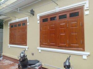 Mẫu cửa sổ thép vân gỗ