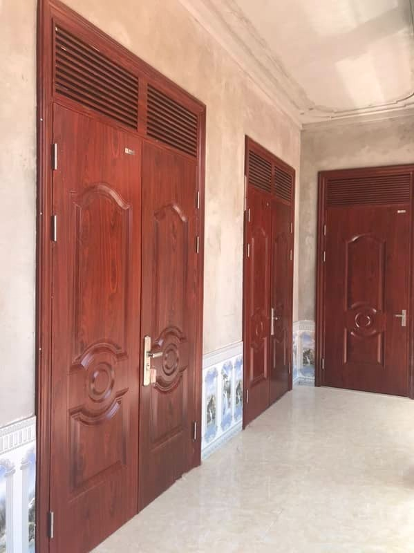 Mẫu cửa thép vân gỗ 2 cánh đẹp